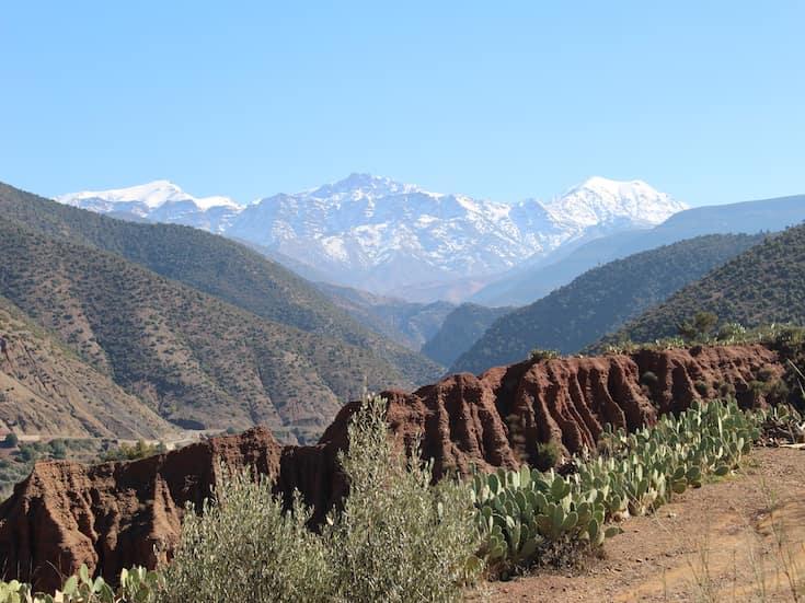 atlas-hike-morocco-www.moroccanjourneys.com